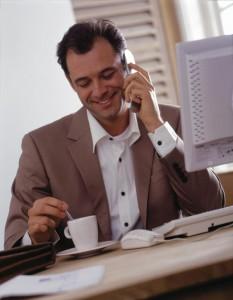 как научиться продавать по телефону.